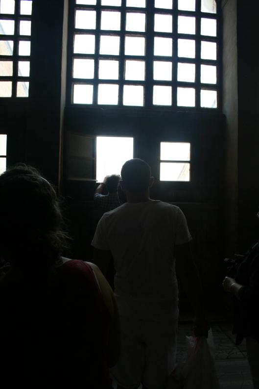 Vad köar alla om? Jo för att kunna ta bilden nedan, Hagia Sofias torn i förgrunden och Blå moskéns i bakgrunden