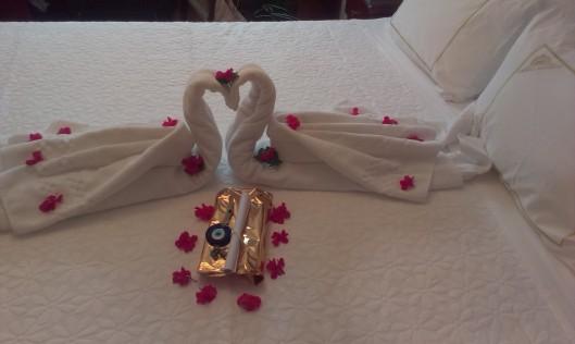 Avskedsgåva från hotellet Sirkeci Mansion. Turkish delight och blått glasöga. En glad överraskning